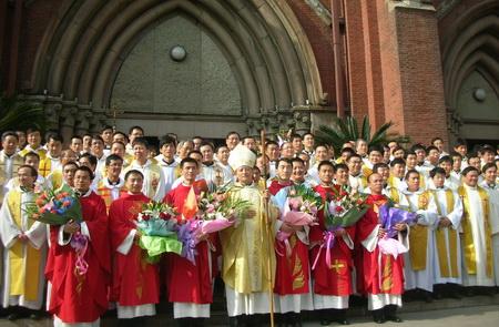 католики в Китае