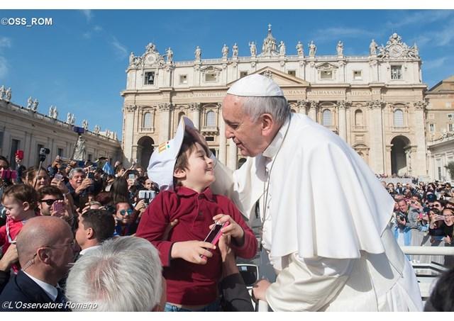 教宗公开接见 基督徒该 怀有基督耶稣所怀有的心情