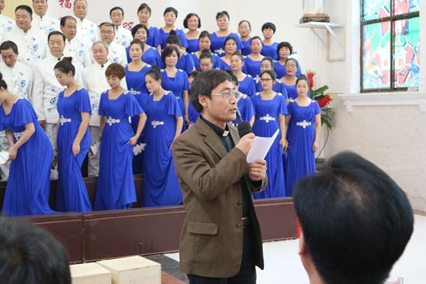 每个合唱团具有创意的服装,整齐的队形,也是本次圣乐汇演的图片