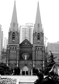 徐家汇天主教堂:被阳光激活的记忆